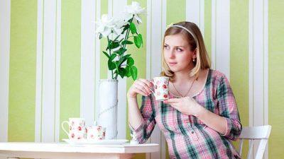 pregnant woman tea