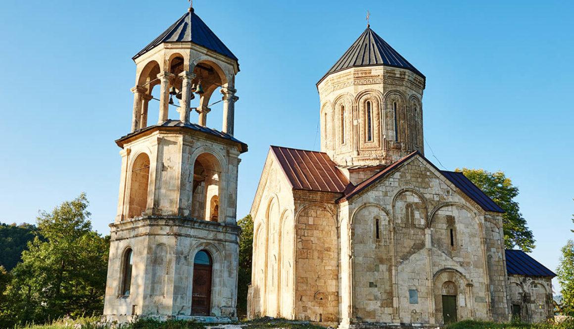 Достопримечательности Грузии — Храм Никорцминда в Раче