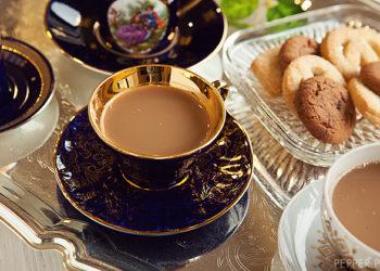 Полезно ли пить чай с молоком?